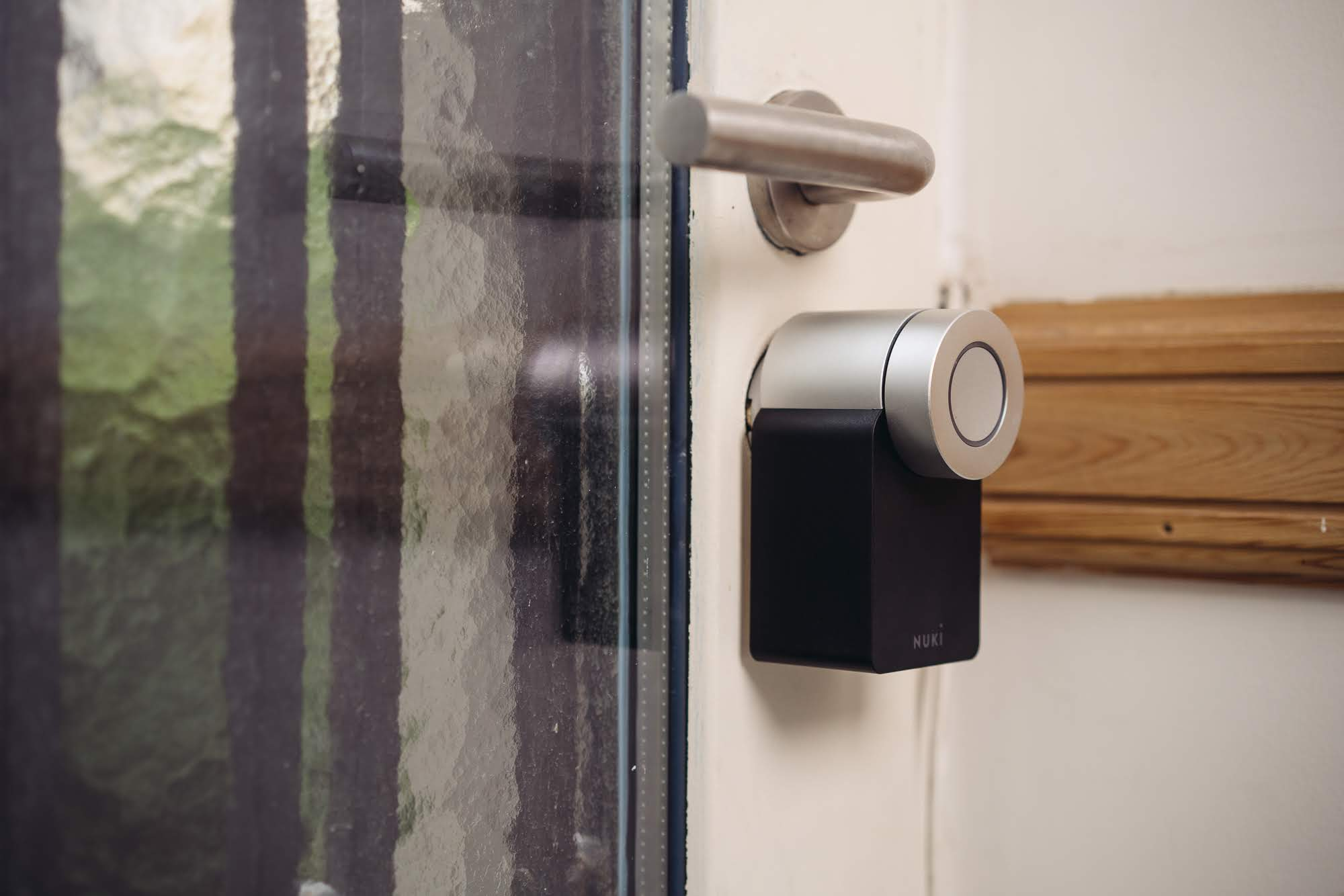 Where the magic happens: the smart lock is integrated into the door and connected to the customer's phone.