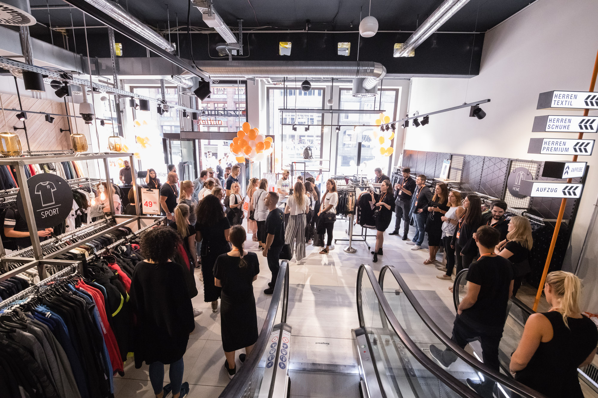 35005b78f5db3d Zalando  New Zalando outlet to open in the heart of Hamburg ...