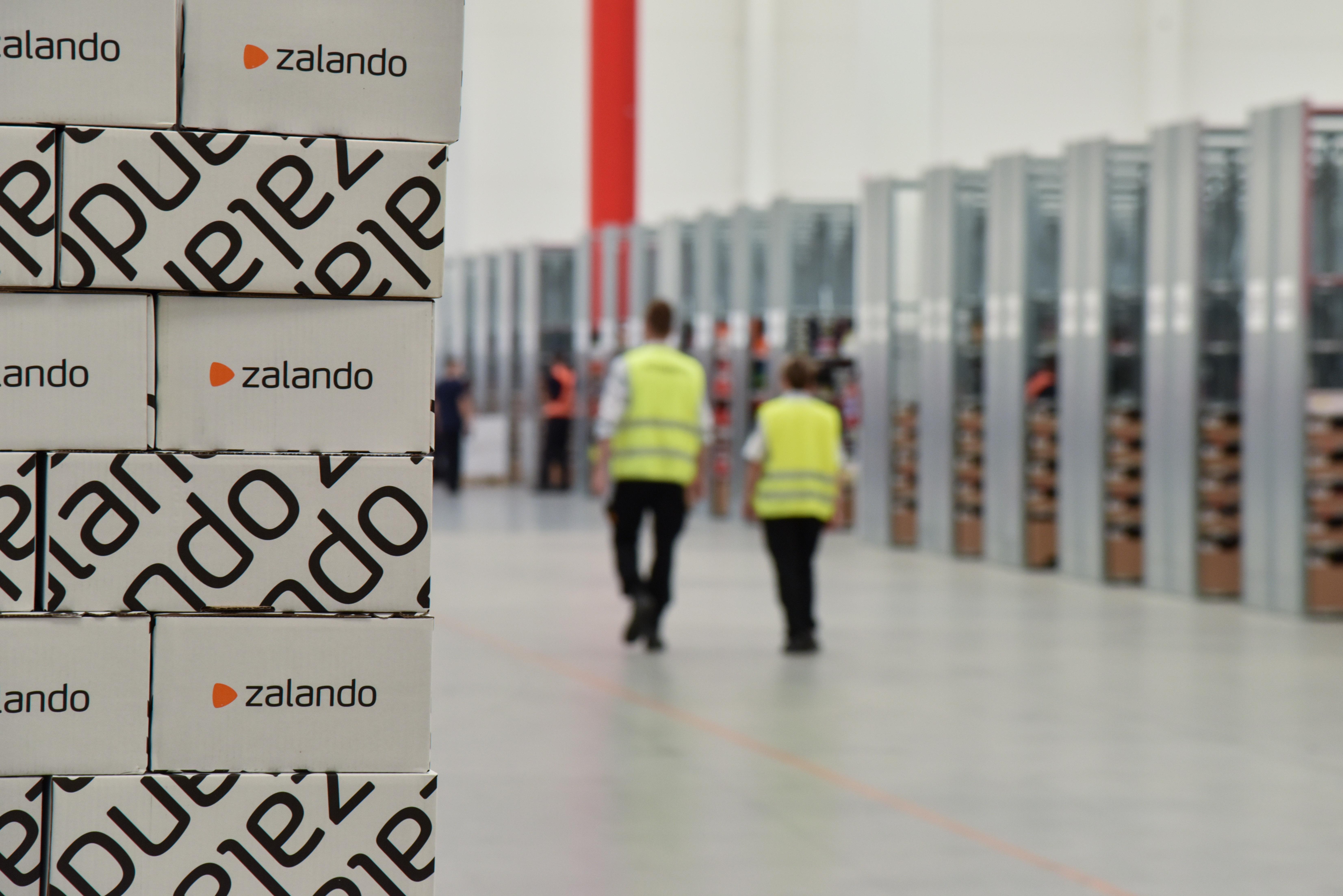 reputable site b6a0d 9d82b Zalando: Zalando, al via il raddoppio della capacità del ...