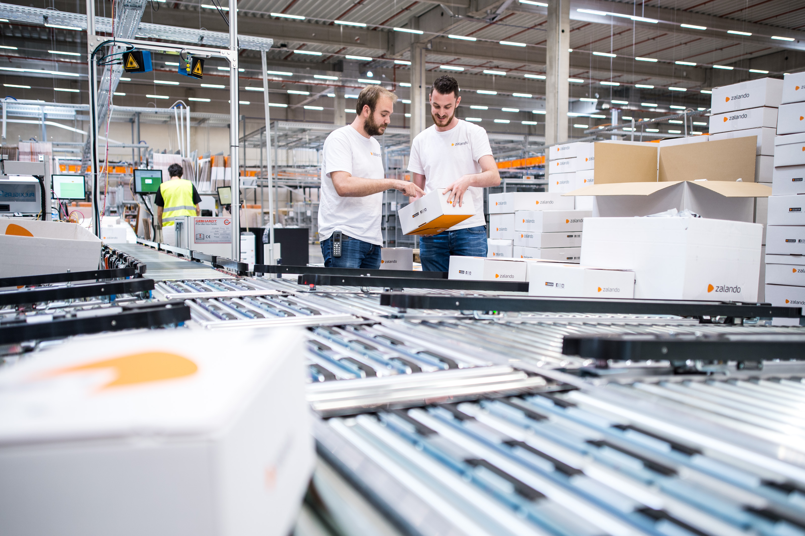 Zalando's fulfillment center in Lahr continues to grow